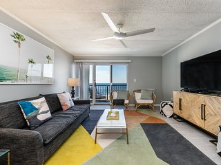 Renovated condo in convenient location -steps away from beach, shopping, dining
