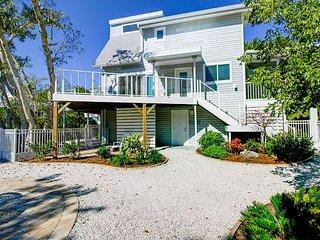 Kingfisher Cottage: WestEnd Cottage w/ Gulf Access feat. NEW Kitchen & Baths!
