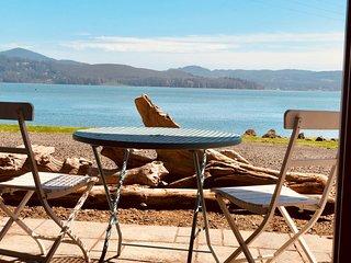 Waterfront Home.  Spa, firepit, gazebo, outdoor kitchen & fireplace, watercraft!