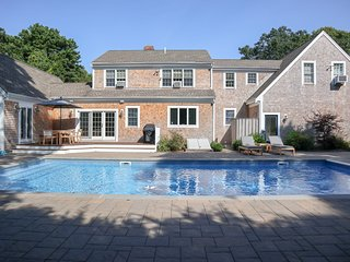 Spacious and Gracious with Pool, Spa, Near Beaches, Bike Paths; 011-B