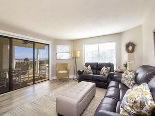 Ocean View With 3 Bedrooms 2 Bathrooms 2206