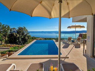 NEW Villa Bellevue Bast - modern luxury villa with breathtaking sea view