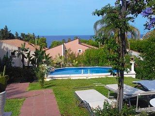 Villa Ele - Pool n Garden