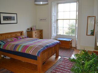 Fabulous, Homely Central Location Flat