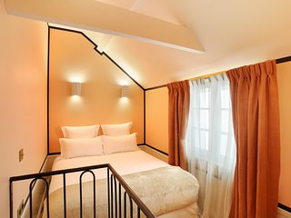 A Lovely Studio Duplex with Services in Le Marais