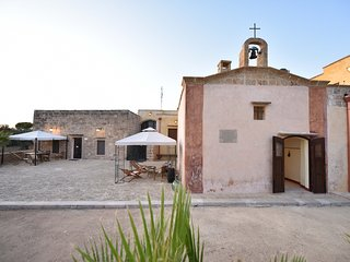 Amazing apartment with garden