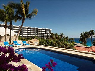 Family/Group Vacation, Walking Distance to Beach at Villa Oceano, 2 BR