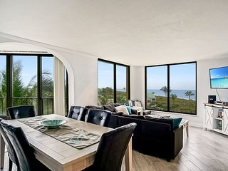 SS 8153 Panoramic Ocean View Condo-Welcome to Paradise