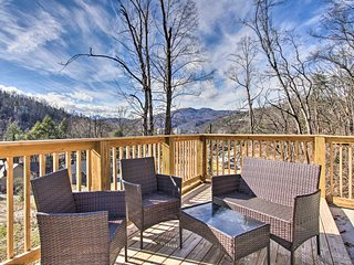 NEW! Deluxe City Cottage: Pool, Hot Tub, Mini Golf