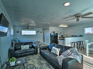 NEW! Inviting Studio - ½ Mile to Surfside Beach!