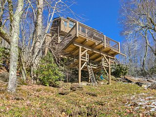 NEW! Luxe Blue Ridge Mtn Retreat w/ Sauna + Creek!