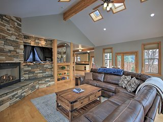 NEW! Updated Home, 13 Mi to Schweitzer Mtn Resort!