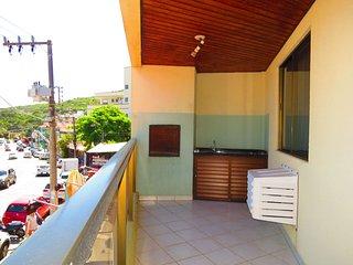 Cód 023 Apartamento localizado na Avenida de Bombinhas à 50m do Mar!