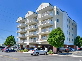 SPECIAL 15% OFF OPEN SUMMER DATES Wonderful Ocean Block Condo Just Steps to the