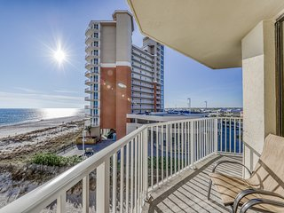 Fourth floor gulf front condo w/ amazing views, outdoor pool, and beach access!