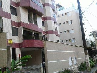 Apartamento Duplex - 100m da Praia Grande de Ubatuba - Larissa 105