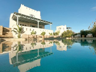 Seaside Naxos | 2 Villas | 7 Bedrooms | 6 Bath |