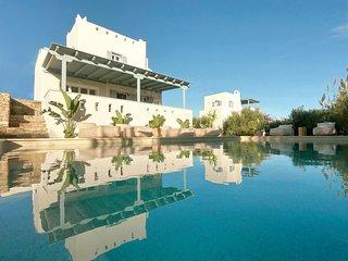 Seaside Naxos | 2 Villas | 7 Bedrooms | 6 Bath |