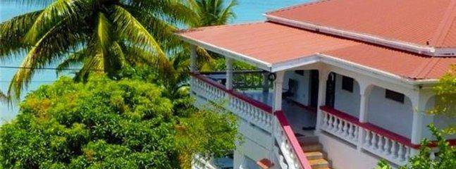 Mango Beach Front Garden Apartment, location de vacances à Lower Woburn