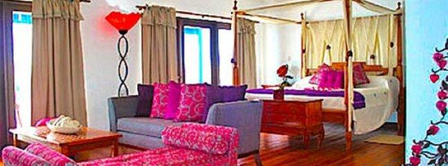Blue Bay Honeymoon Suite, Ferienwohnung in Südküste