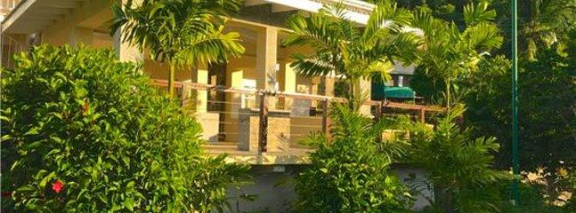 Francyn Villa, holiday rental in Lower Bay