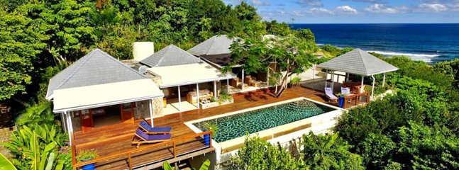 Crescent Beach Villa, vakantiewoning in Spring Bay