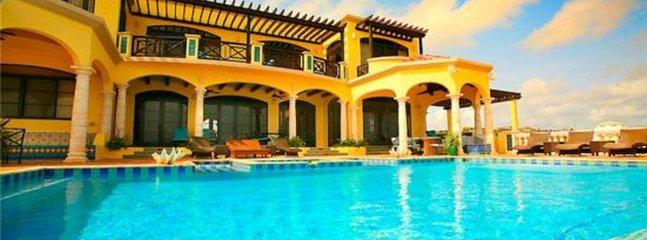 Amarilla Villa