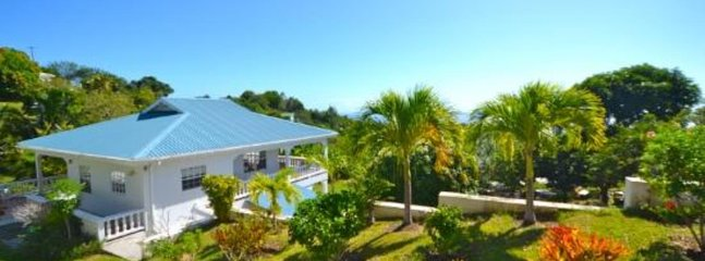 Iona House, holiday rental in Belmont