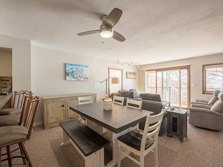 2Br/3Ba- View of Mt Crested Butte & Fireplace