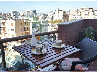 BY BEST APARTMENTS 8B