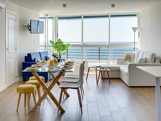 VistaMar22 Luxury Sea Front Apartment