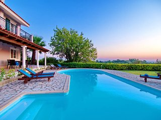 Villa Hera, Sea view, magical SunSets and Pool