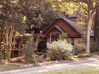Sleeps 10:  Book Entire Tuscan Farmhouse, location de vacances à Gillsville