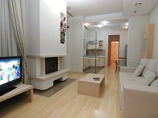 Two Bedrooms. Lux. 6 Zankovetskoi str. Near Kreschatyk