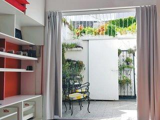 PH 5 pers., dos dormitorios, dos patios, baño y cocina completos