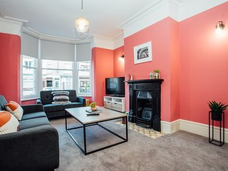 Brand New Immaculate House Rugby Town
