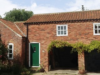 BERRY BARN, barn conversion, upside down, pet-friendly, enclosed patio, WiFi