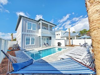 Brand New Luxury Home! Private Pool! Golf Cart Included(6 Passenger)! 5 Minutes