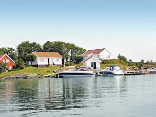 Stunning home in Flekkerøy w/ WiFi and 2 Bedrooms (N36327)