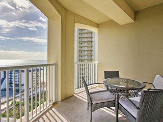 Beach & Oceanview Condo w/Amenities + Beach Access