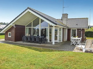 Awesome home in Sjolund w/ Sauna, WiFi and 3 Bedrooms (C2045)