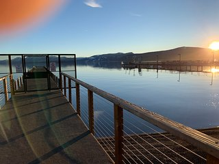 100 Steps to the Lake - St. Francis Lakeside Townhouse Tahoe City