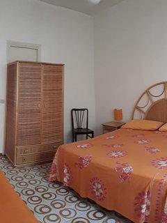Camera da letto Sole: letto matrimoniale e 1 letto singolo
