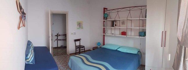 Camera da letto Mare: letto matrimoniale e 1 letto singolo