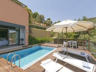 Superior Villa Cassiope with 3br, Private Pool And Stunning Sea Views