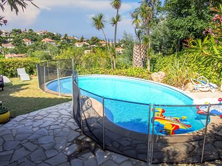 1403509 villa for 10 people with sea view, 5 bedrooms, 3 bathrooms, pool 8 x 4