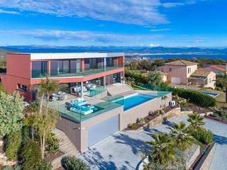Superbe Villa neuve - Vue mer panoramique - 12 personnes