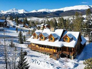 Bear Creek Mining Lodge: Mountain Style, Hot Tub!