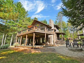 Majestic Pine Cabins - Beautiful Cabin Nestled Among Majestic White Pines