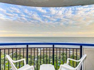 Hosteeva | Boardwalk Beach Resort | Oceanfront with Balcony